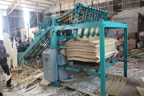 veneer stacker machine